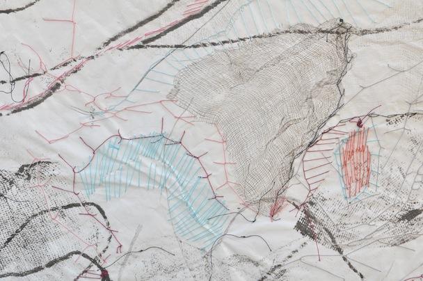 Albafalena in risveglio, (particolare) garza, inchiostro e filo su carta velina piegata 100x140 cm, 2013