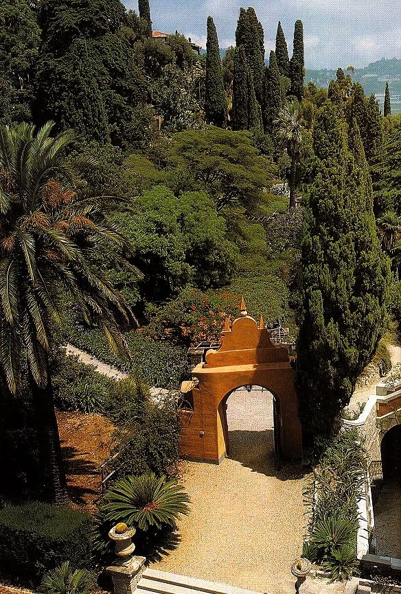 Arco di accesso a Palazzo Orengo (ph. ∏Simone Sciutto)
