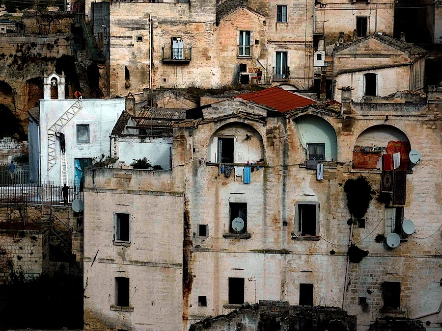 ©Fineo/Molinari, Centro storico, veduta dal ponte della Gravina